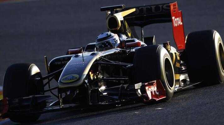 Räikkönen begins tests in Spain