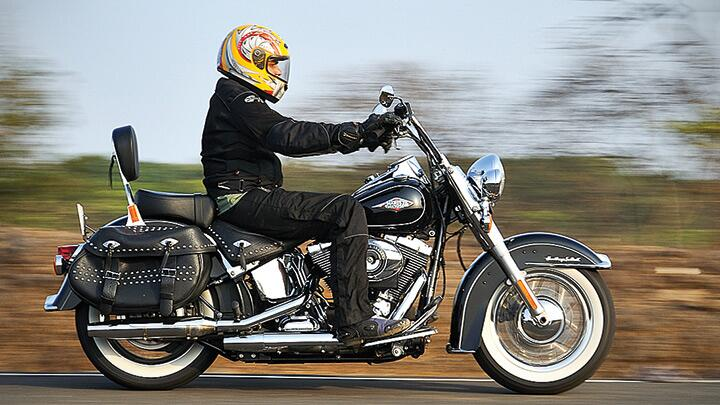 Review Harley-Davidson Heritage Softail Classic - Harley-Davidson
