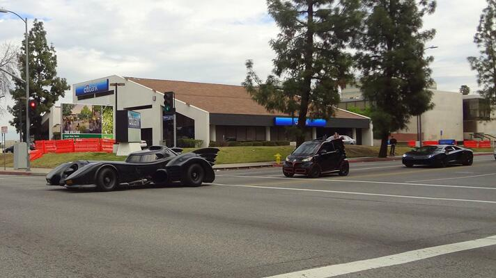 Lambo Aventador chases the Batmobile