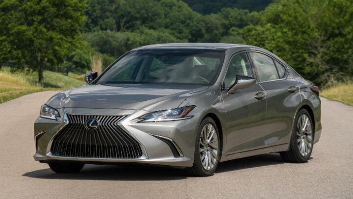 Launched: Lexus ES 300h