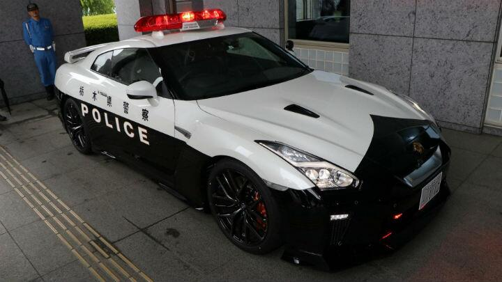Police Car Website >> Be Afraid Of Japan S New Nissan Gt R Police Car Car News Bbc