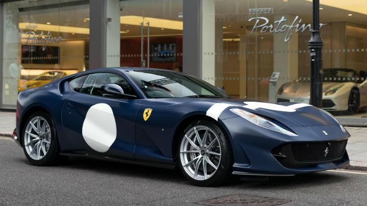 Does the Ferrari 812 Superfast suit a retro racing livery?