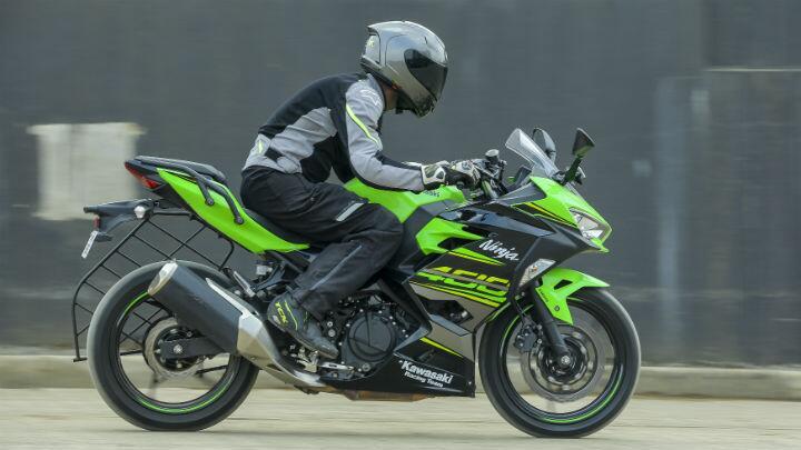 Review 2018 Kawasaki Ninja 400 Kawasaki Bbc Topgear Magazine