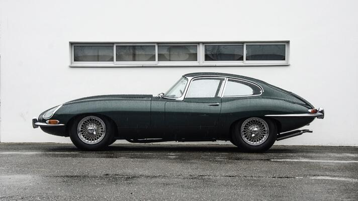 Race-spec Jag E-Type at Goodwood