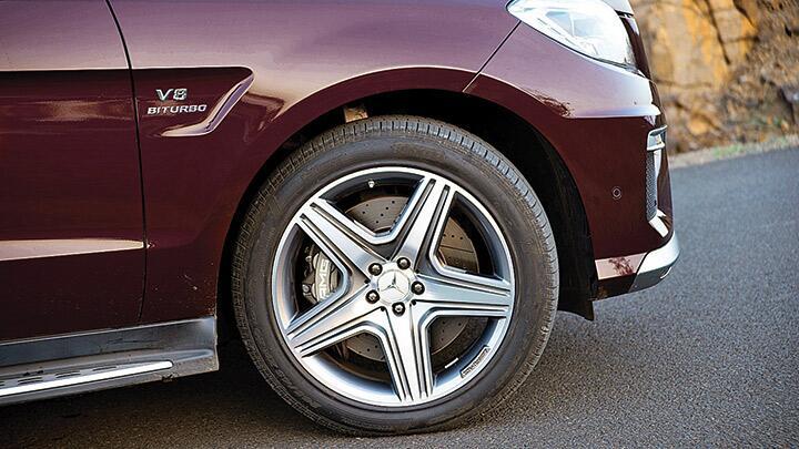 Mercedes-Benz ML63 AMG: power to weight