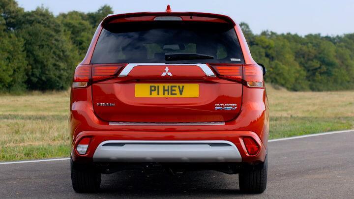Gallery: 2019 Mitsubishi Outlander PHEV