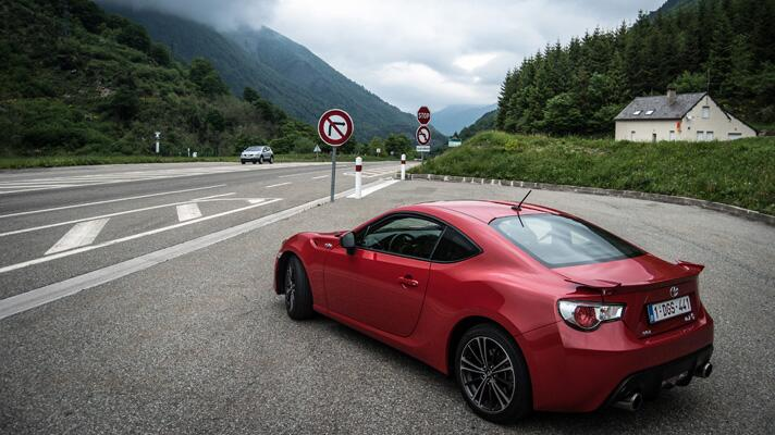 Driving 1800 kilometers in a Toyota GT86…