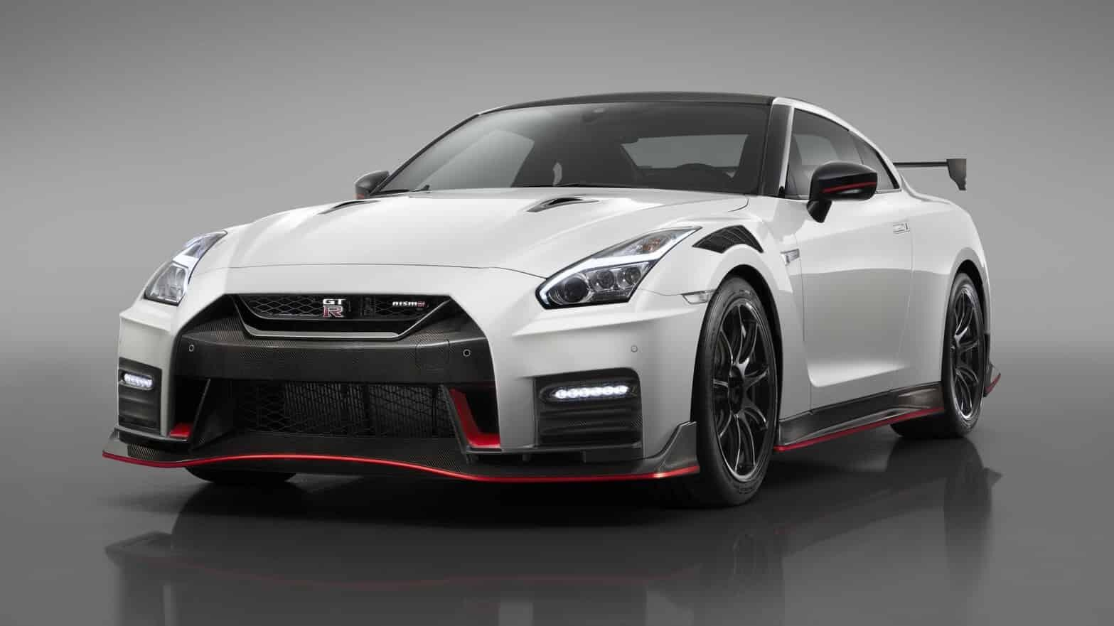 Yikes, it's a new, lighter Nissan GT-R Nismo